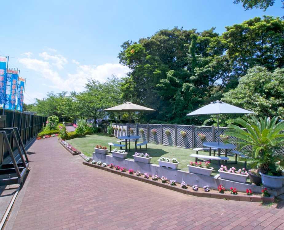 茅ヶ崎霊園 永久の郷 自然あふれる休憩スペース