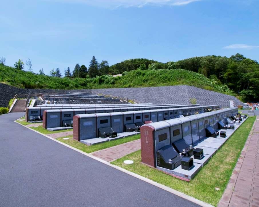 川崎市営 早野聖地公園 壁面型墓所