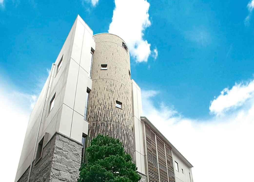 源覚寺 小石川墓陵 開放的な雰囲気の納骨堂外観
