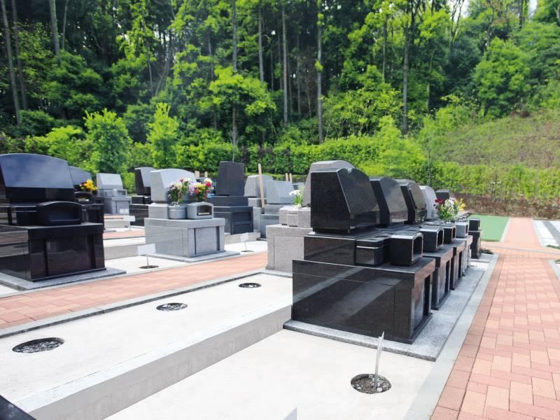 弥生台墓園 横浜つどいの森 区画整備された墓域