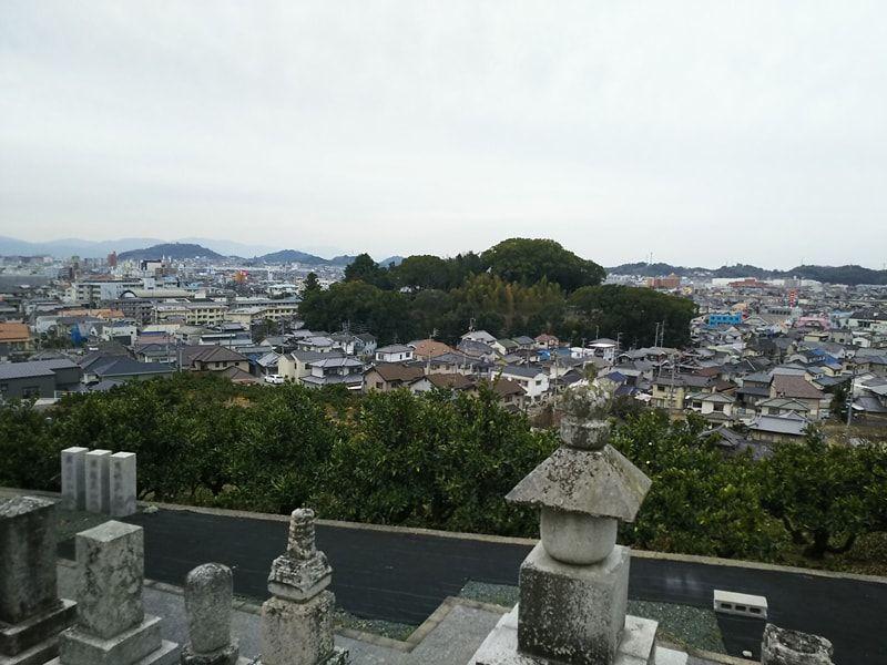 松山市営 谷墓地
