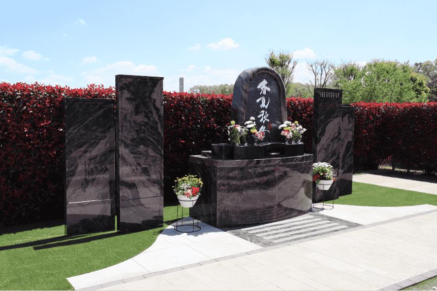 サニープレイス所沢の合葬式永代供養墓『安住の碑 ~春夏秋冬~』