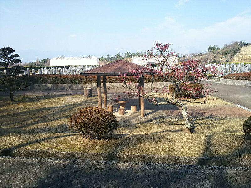 東員町墓地公園