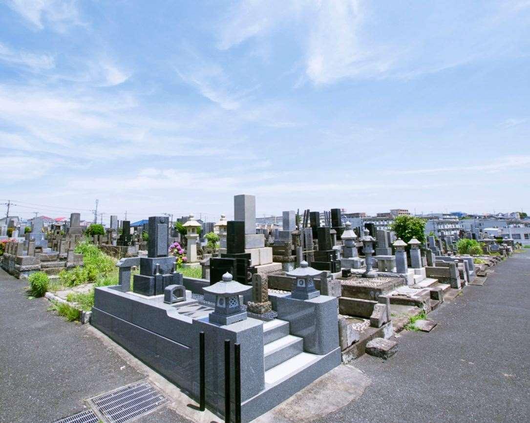 横浜市営 三ツ沢墓地 バリアフリーの墓地