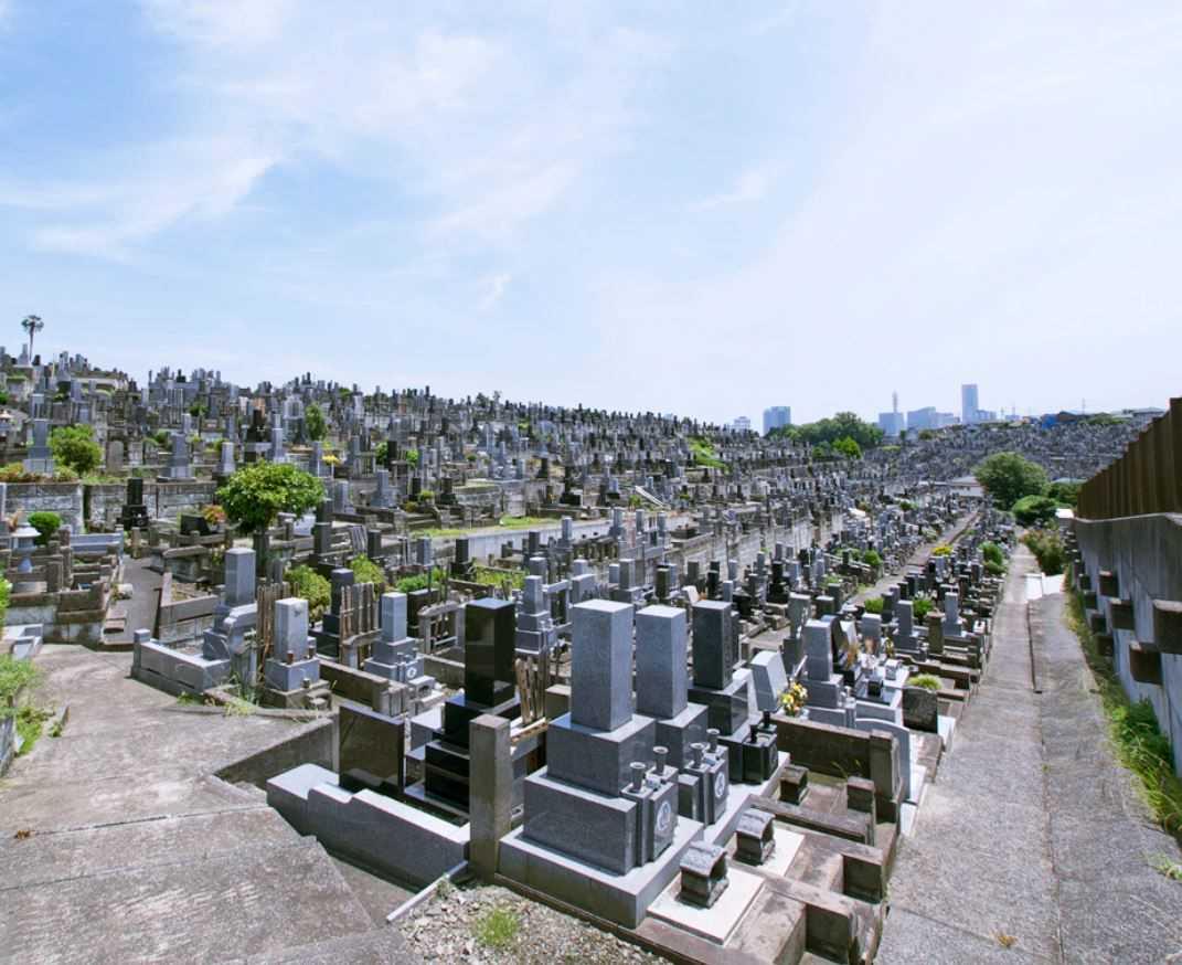 横浜市営 三ツ沢墓地 区画整備された墓域