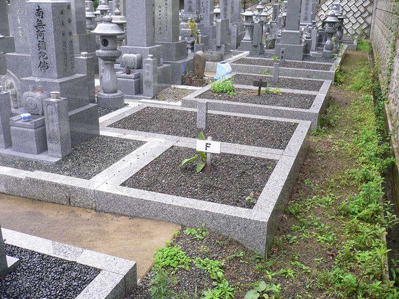 真宗寺墓地
