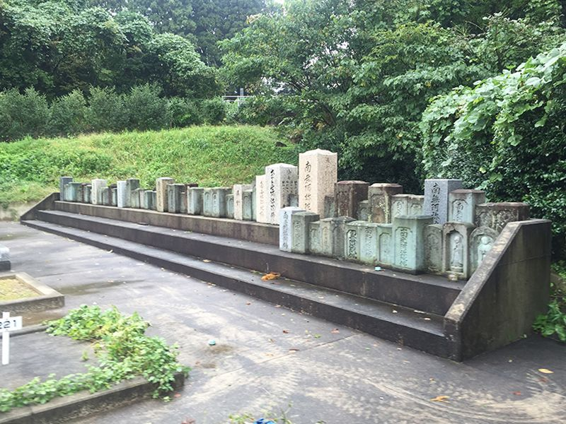 津幡町営 鷹の松南墓地公園