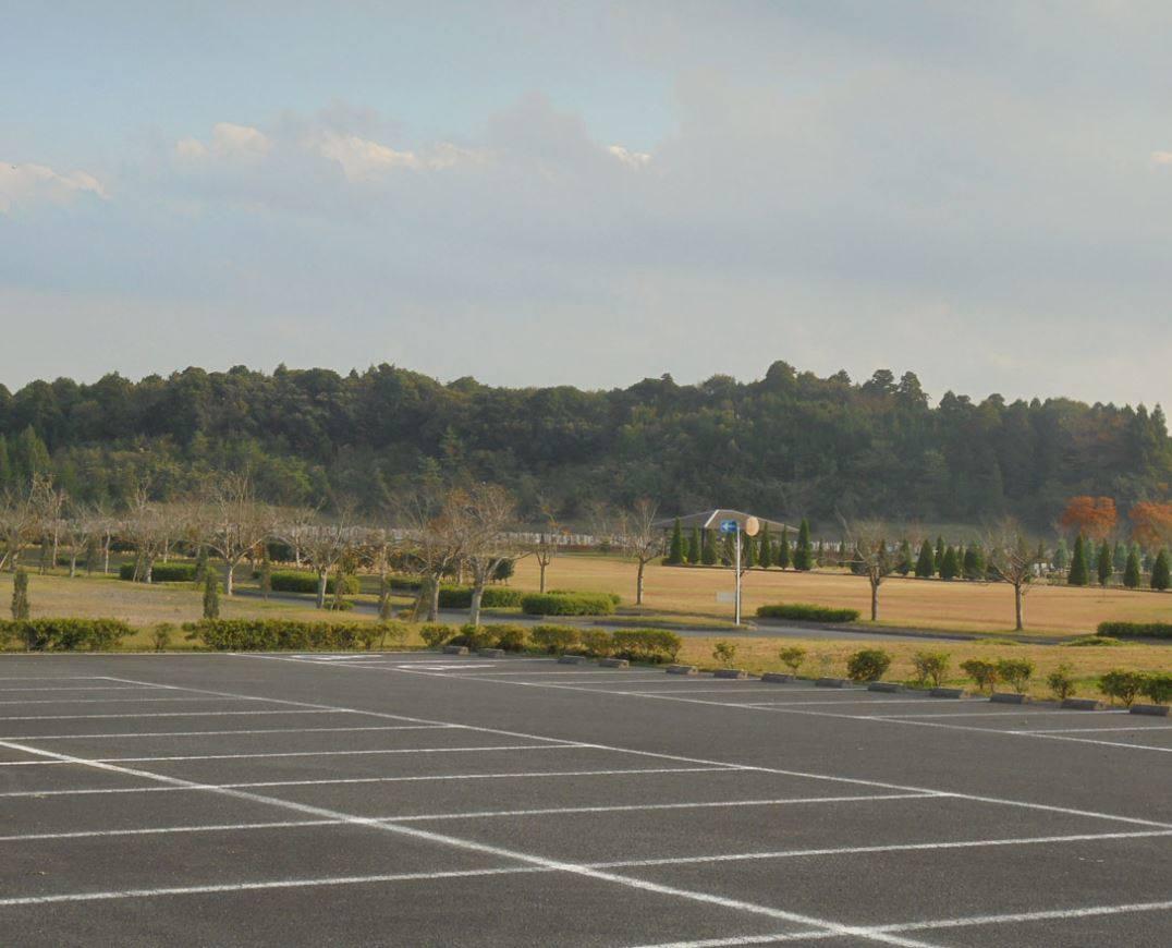 成田メモリアルパーク 駐車スペース