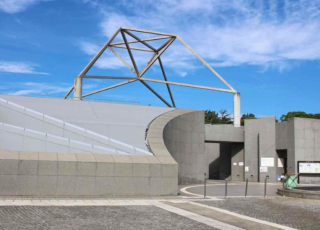 藤沢市営 大庭台墓園 霊園中央にあるモニュメント