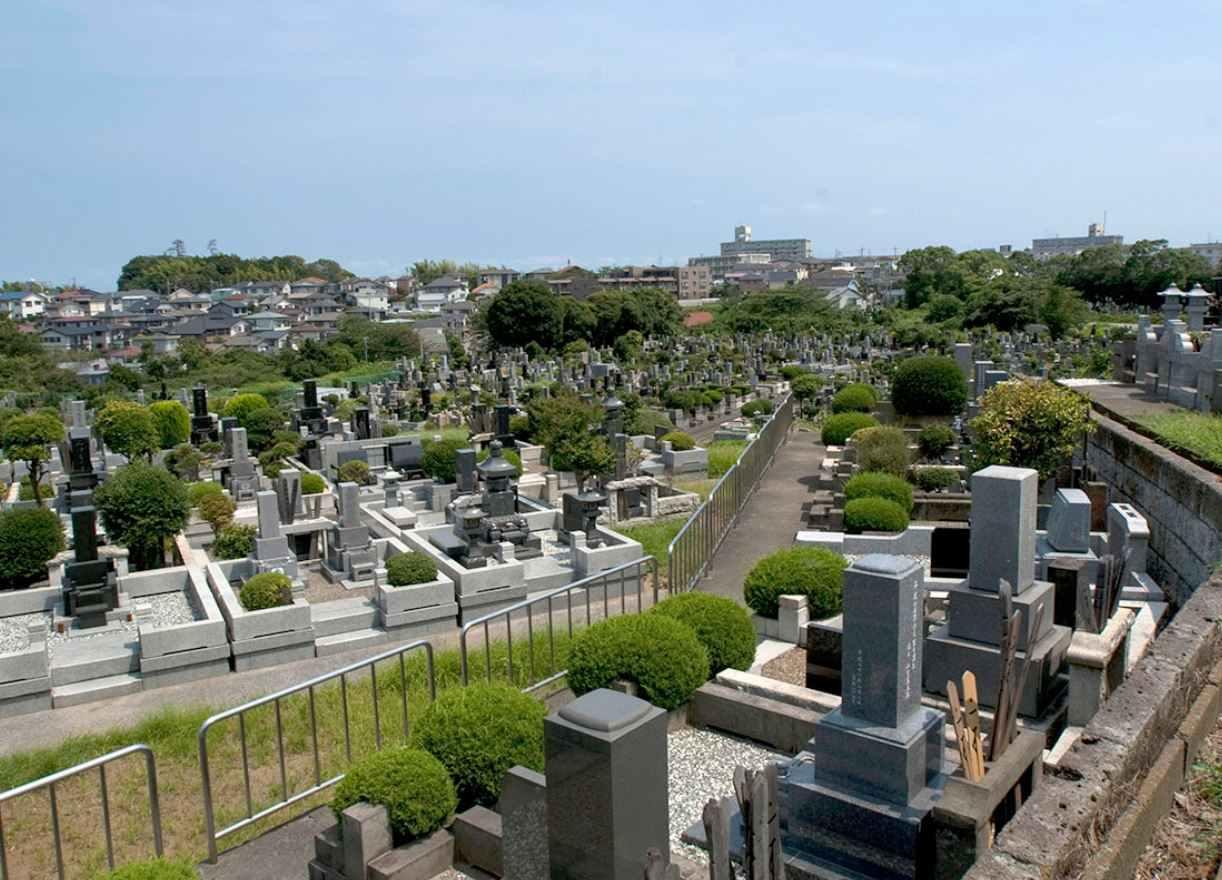 横浜市営 日野公園墓地 高台にあり眺望の良い環境