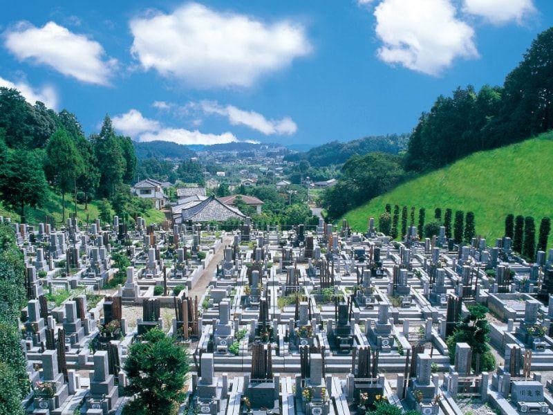 ゆず霊園 高台にある墓域