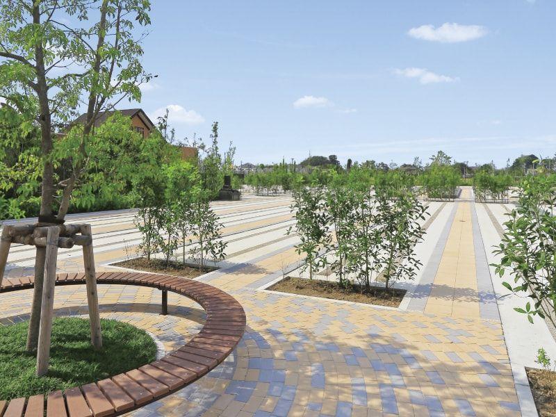 朝霞フォーシーズンメモリアル 緑あふれる園内墓域