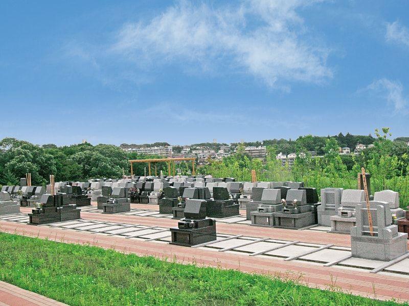 川崎清風霊園 豊かな緑に包まれた丘にある墓域