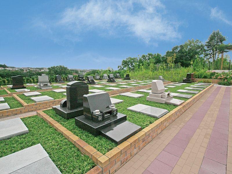 川崎清風霊園 花壇のような「テラス墓所」