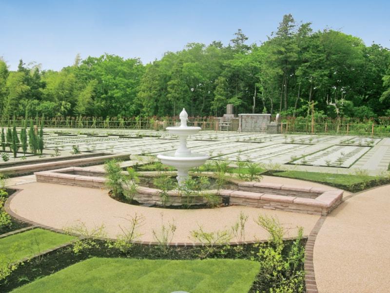 メモリアルパーク大和墓苑 ふれあいの郷の園内スペース