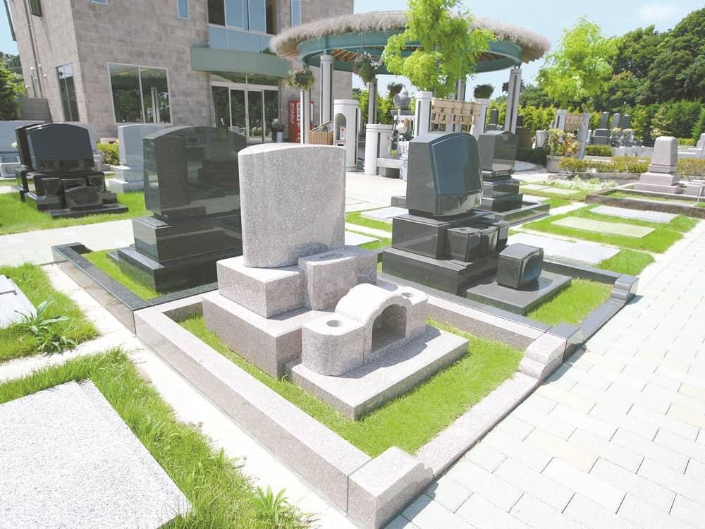湘南フォレスト 鮮やかな緑で囲まれた「ガーデン墓地」