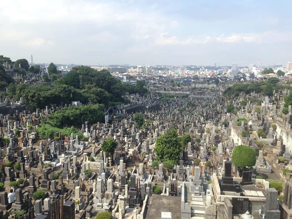 横浜市営 久保山墓地 広々とした明るい墓域