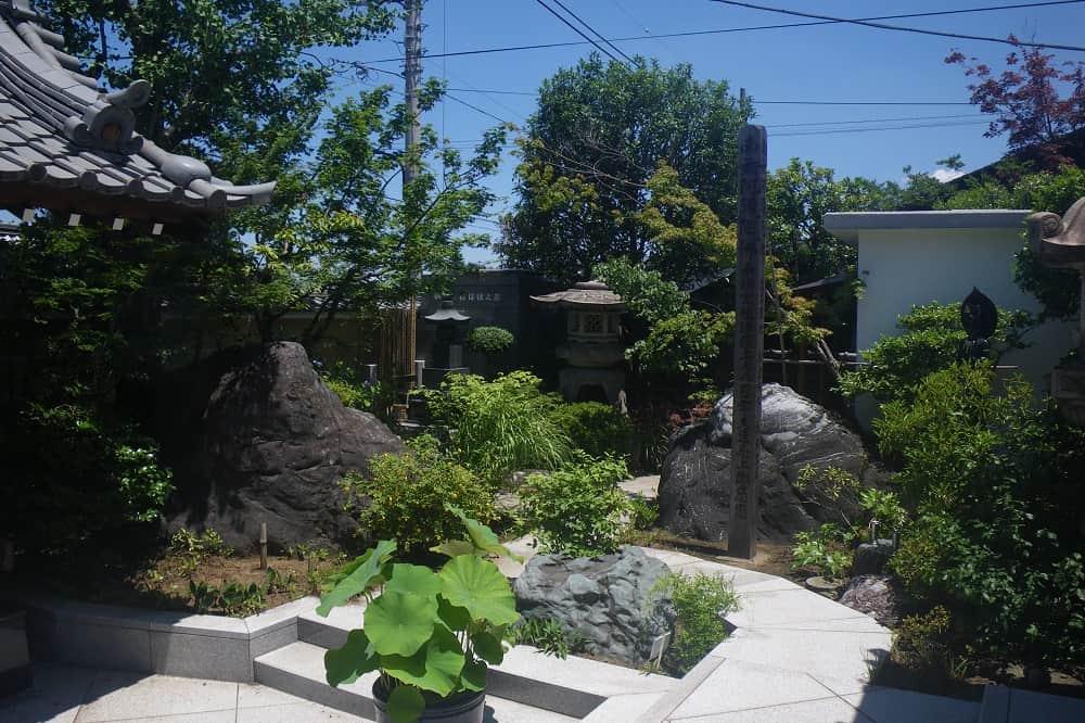 ねりま平和観音 緑豊かな庭園