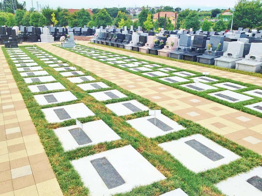 朝陽の杜墓苑「東の丘」 区画整理された建墓スペース