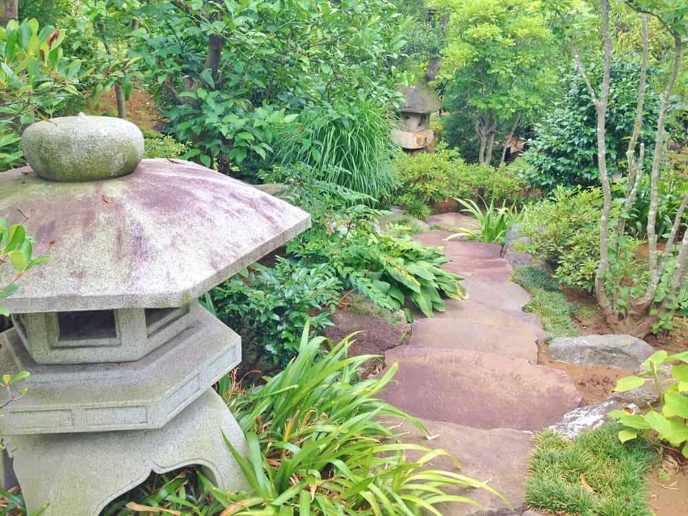 朝陽の杜墓苑「東の丘」 癒される庭園
