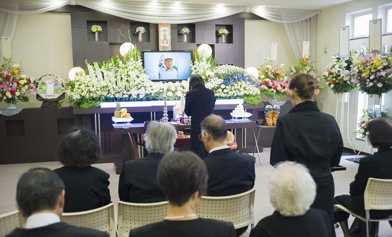 通夜、葬式の進行や注意点、日程決めのルールを知っておきましょう
