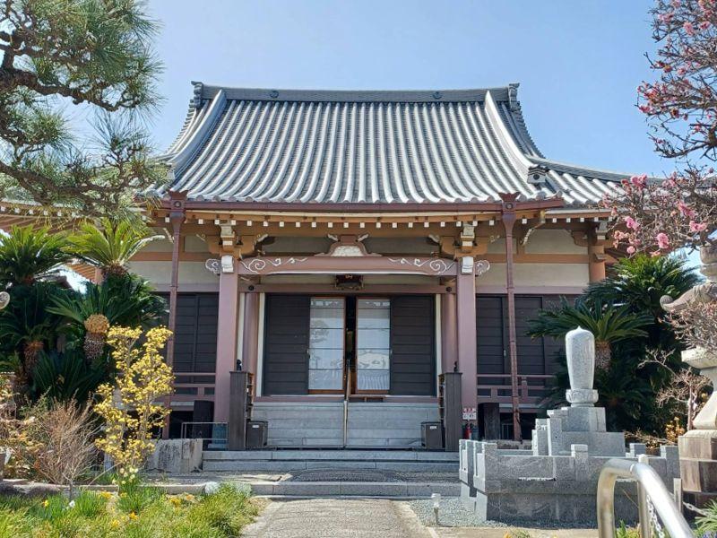 教行寺墓地