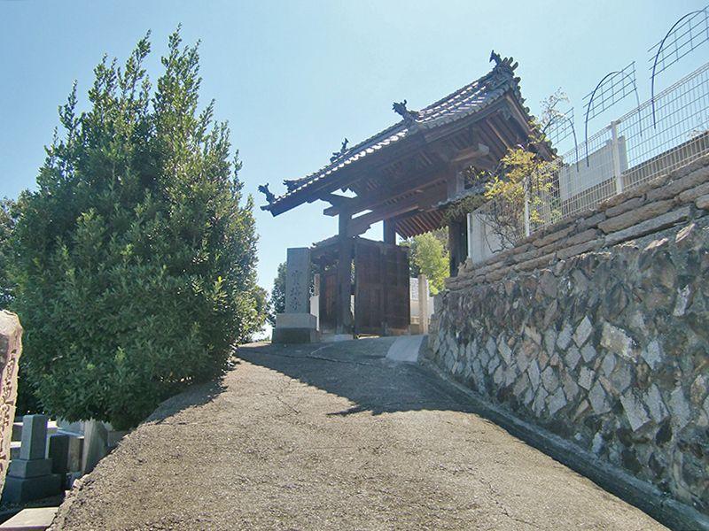 宝塔寺墓苑