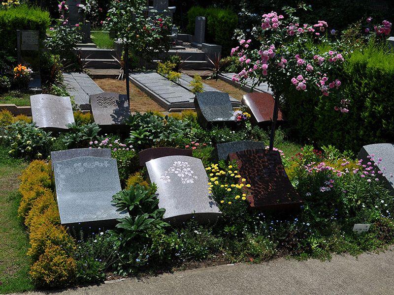 鎌倉やすらぎの杜 「ふれあいの碑」 永代供養墓 響(ひびき)