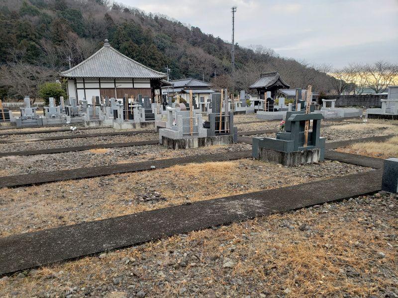 龍台寺墓苑