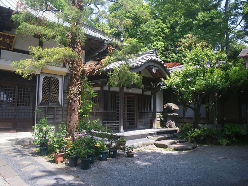 陽林寺 本堂入口