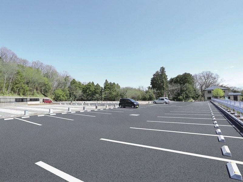 メモリアルパーク厚木ふるさとの丘 広い駐車場