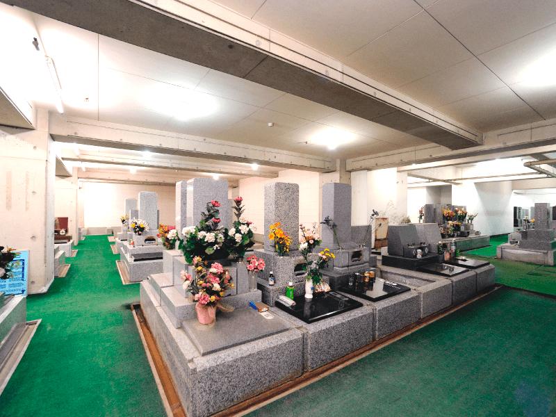 烏山墓苑 天候を気にせずお参りできる室内墓所