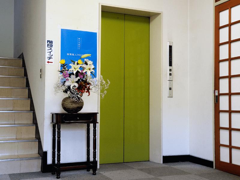 烏山墓苑 エレベーター完備