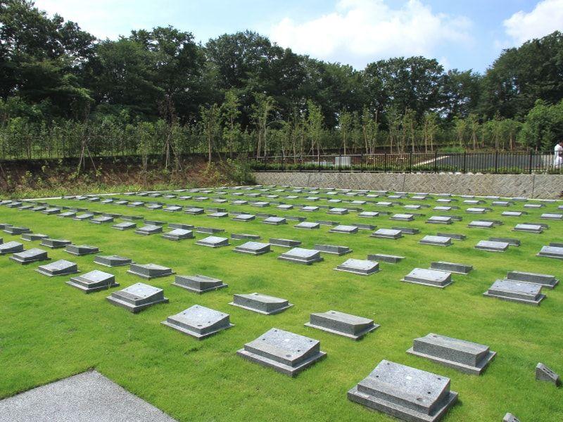 公営 稲城・府中メモリアルパーク 手入れが行き届いた墓域