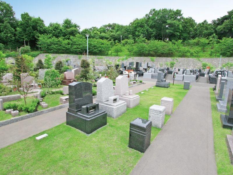 町田いずみ浄苑の芝生が美しい墓域