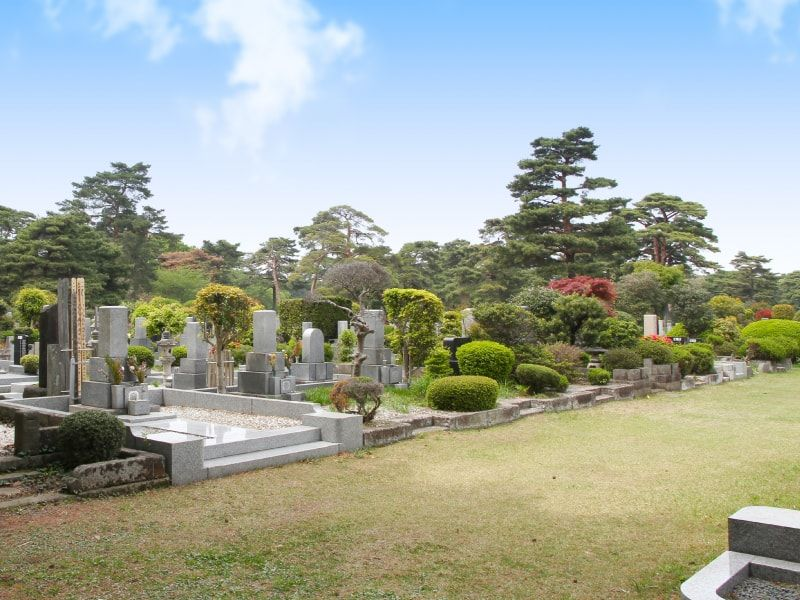 都立 小平霊園 整然と区画された墓域