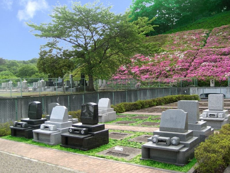 東京ゆりが丘苑 豊かな花木を楽しめる墓域