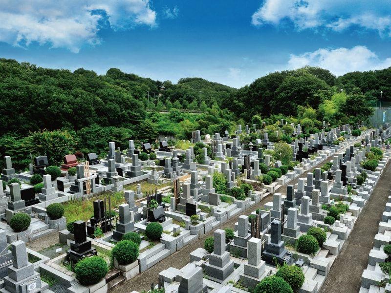 片倉聖地霊苑 緑豊かな霊園風景