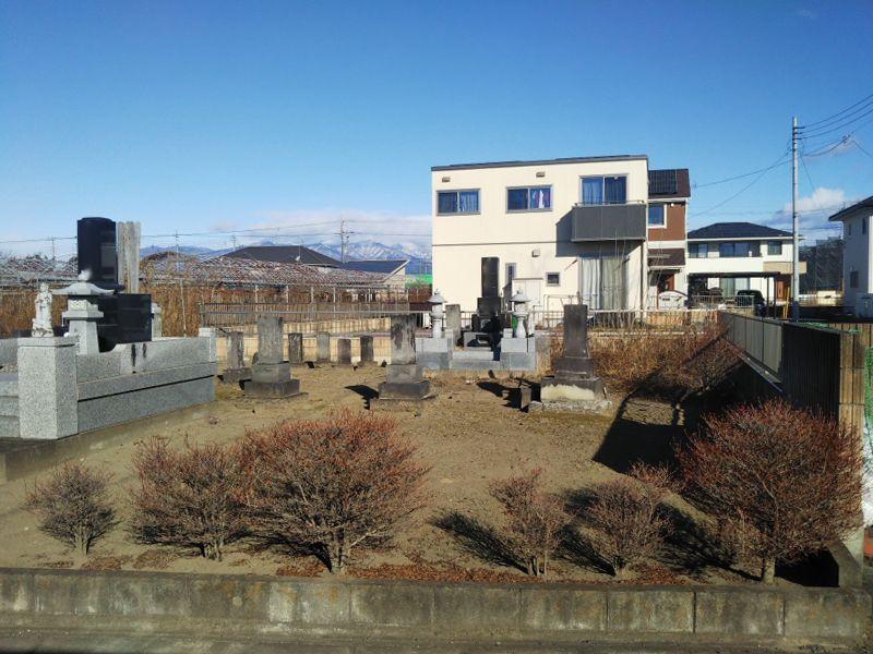 伊勢崎市西久保墓地