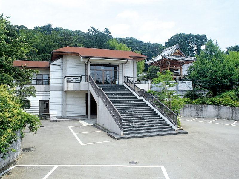 岩子墓苑 駐車場