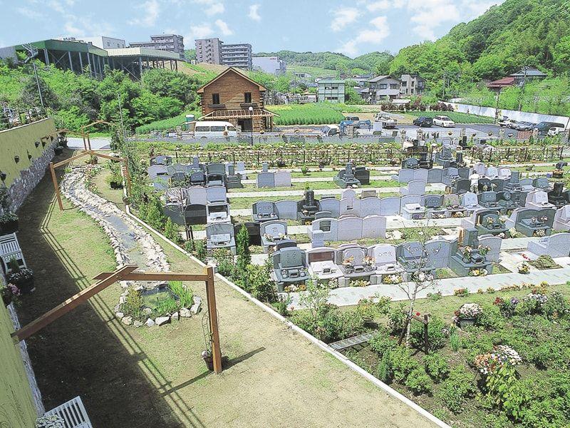 メモリアルパーク南横浜 小高い丘の上に広がる緑豊かな霊園
