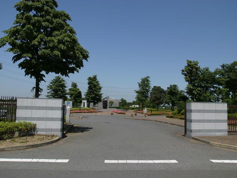 四街道市営霊園の入口