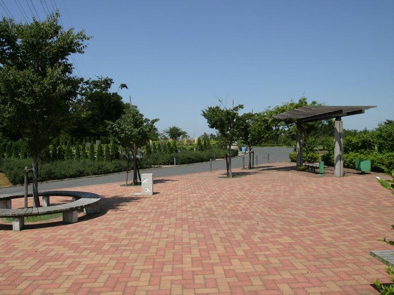 船橋市営馬込霊園の休憩スペース