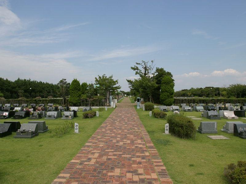 浦安市営浦安墓地公園の正面風景
