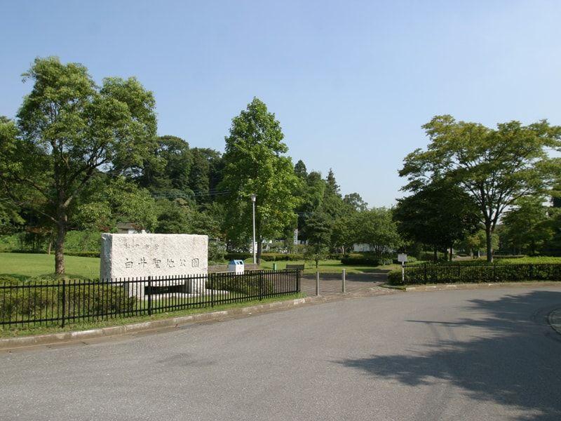 松戸市営白井聖地公園の正面入り口
