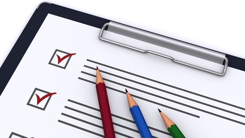 チェックリストと色鉛筆