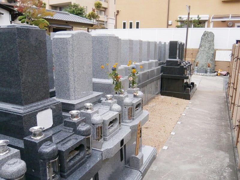 壽法寺墓地のお墓雰囲気