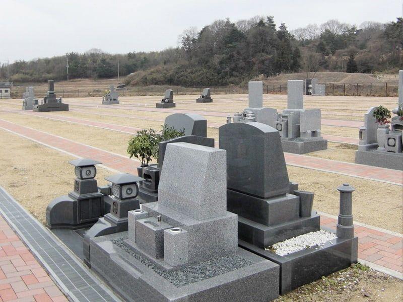 京阪奈墓地公園の洋型墓石