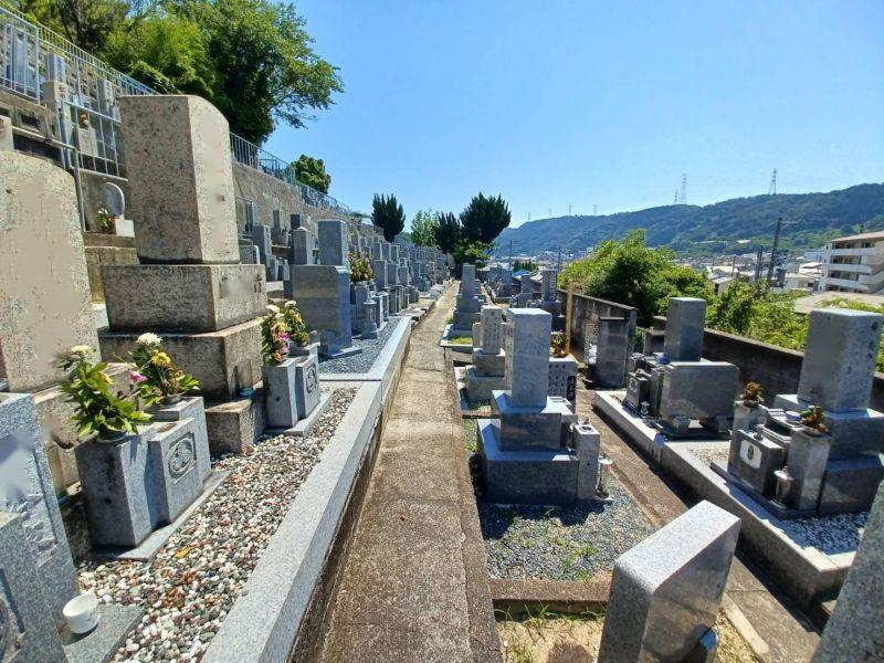 西法寺墓地
