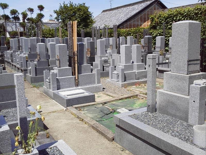 乾窓院墓地のお墓雰囲気